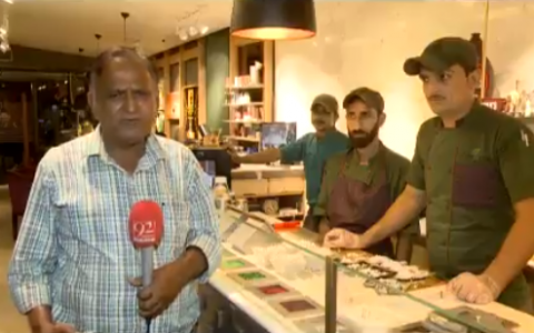 Chand Nawab, the famous reporter from Pakistan who inspired Nawazuddin Siddiqui's popular role inBajrangi Bhaijaan– is back.