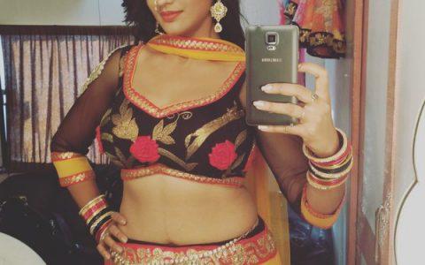 Akshara Singh Sizzling Dance Video Goes Viral