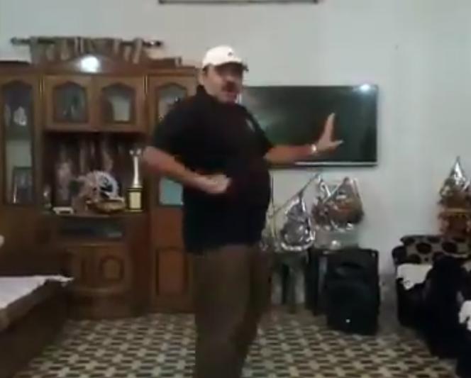 Dancing Uncle's Dance Dedicated To Hrithik Roshan